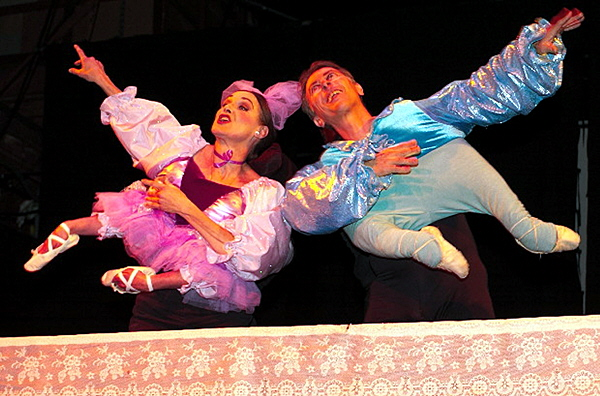Marianne Humainette and George 'Stumpy' Spelvin in 'A Short Duet' from 'Les Sillyphides'
